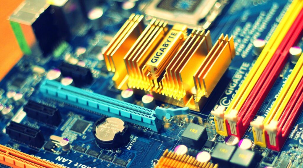 What Are the Three Most Popular Form Factors Used for Motherboards